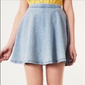 Top Short jean-like skater skirt size 6